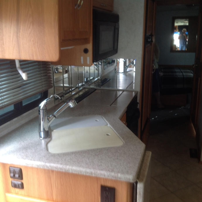 Itasca Suncruiser 35 galley