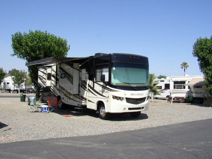 Lake Park RV Resort - Lake Elsinore, CA